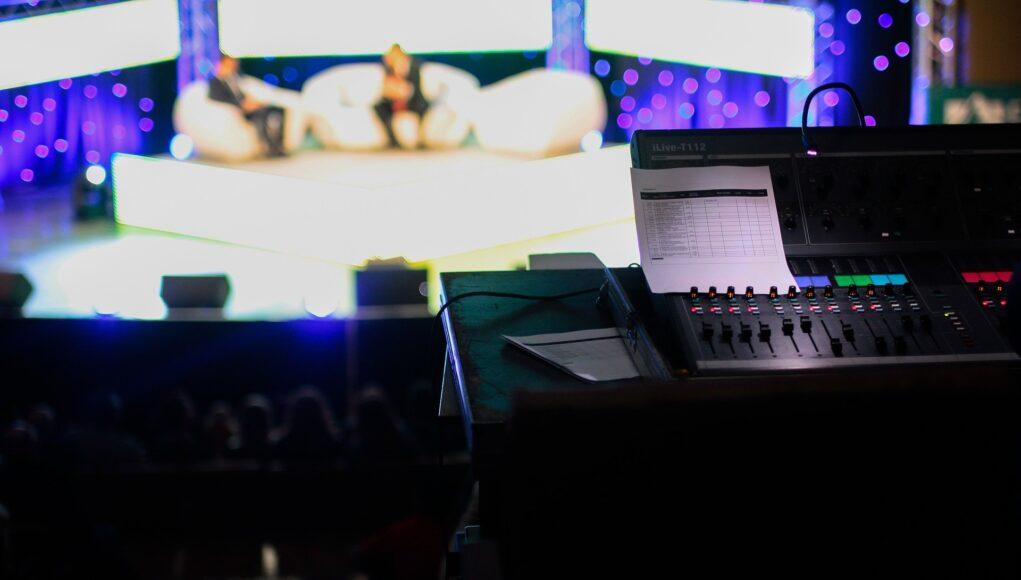 Talk Show Tv Live Tv Show Television Media Live